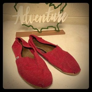 Coral Tom's women's slip ons